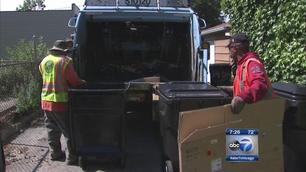 Chicago aldermen propose new garbage pickup fee
