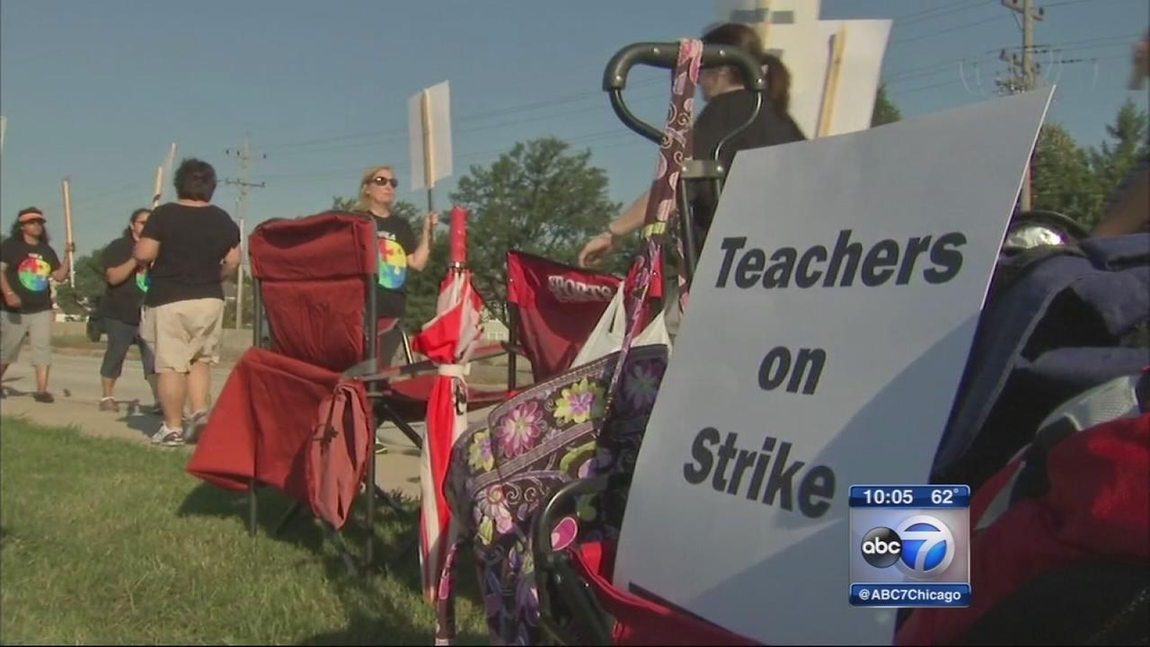 092015-wls-teachers-strike-10p-vid