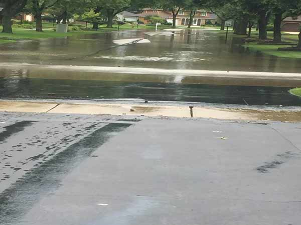 <div class='meta'><div class='origin-logo' data-origin='WLS'></div><span class='caption-text' data-credit='ABC7 Viewer Denise/USEEIT'>Flooding in Darien.</span></div>