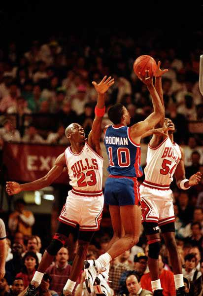 NBA LEGENDS: LeBron James vs. Michael Jordan by the numbers | abc7.com