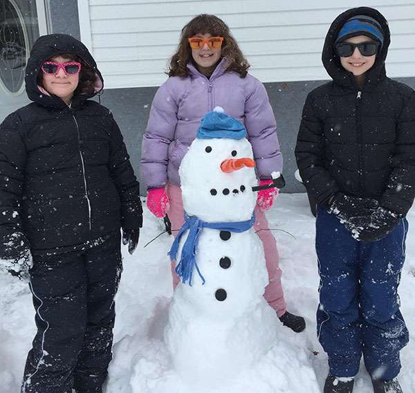 """<div class=""""meta image-caption""""><div class=""""origin-logo origin-image none""""><span>none</span></div><span class=""""caption-text"""">The Pedricks keep it cool in Williamstown, New Jersey. (Action News Viewer )</span></div>"""