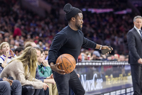 """<div class=""""meta image-caption""""><div class=""""origin-logo origin-image none""""><span>none</span></div><span class=""""caption-text"""">Actor Kevin Hart was also in attendance for the Philadelphia 76ers game. (Philadelphia 76ers)</span></div>"""