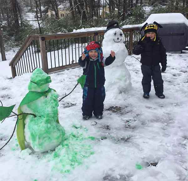 "<div class=""meta image-caption""><div class=""origin-logo origin-image none""><span>none</span></div><span class=""caption-text"">Michael and Matthew build cool snowmen in West Chester. (Tiffany Wetten D'Alonzo)</span></div>"
