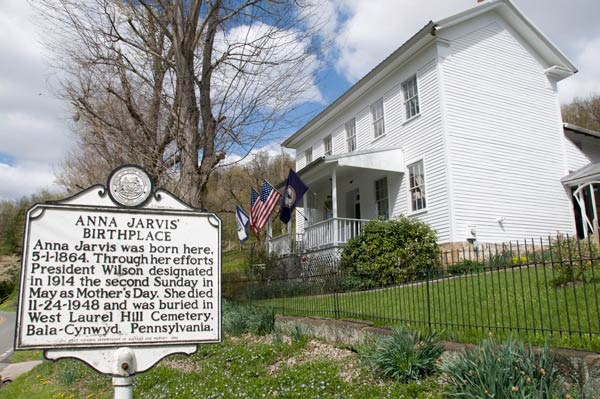 "<div class=""meta image-caption""><div class=""origin-logo origin-image ap""><span>AP</span></div><span class=""caption-text"">The Anna Jarvis Birthplace Museum is located four miles outside Grafton, W.Va., April 22, 2008. The museum commemorates the life of Anna Jarvis, the founder of Mother's Day. (AP Photo/James J. Lee)</span></div>"