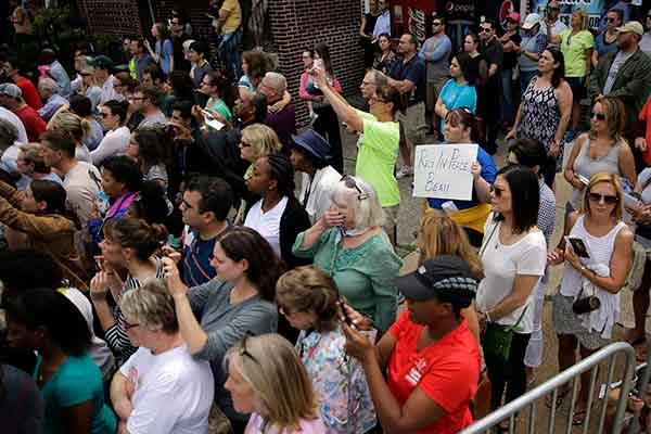 """<div class=""""meta image-caption""""><div class=""""origin-logo origin-image ap""""><span>AP</span></div><span class=""""caption-text"""">Mourners view the funeral procession for former Delaware Attorney General Beau Biden, Saturday, June 6, 2015, at St. Anthony of Padua Roman Catholic Church in Wilmington, Del. (Matt Rourke)</span></div>"""