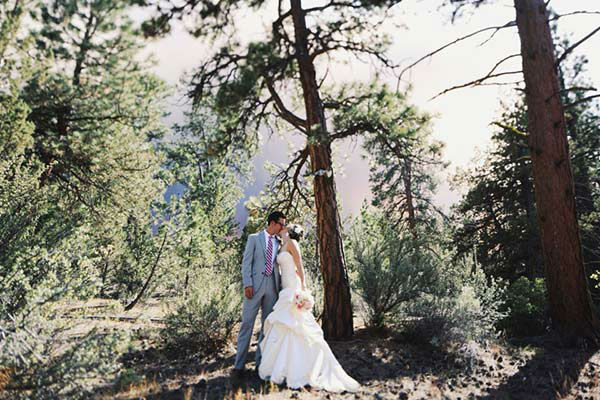 "<div class=""meta ""><span class=""caption-text "">Michael Wolber and April Hartley had to evacuate from their own wedding as a wildfire burned in Bend, Oregon on Saturday - but not before getting a few pictures! (Josh Newton)</span></div>"