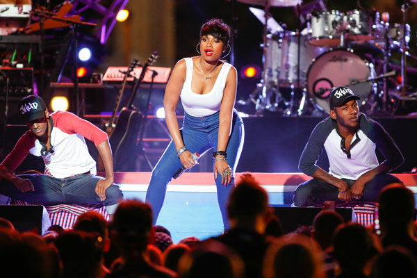 "<div class=""meta image-caption""><div class=""origin-logo origin-image ""><span></span></div><span class=""caption-text"">Jennifer Hudson performs at the Philly Forth of July Jam in Philadelphia on Friday, July 4, 2014.  (Photo/Mark Stehle)</span></div>"