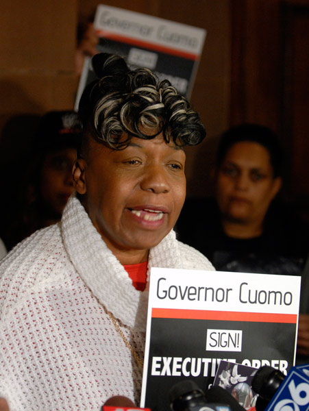 <div class='meta'><div class='origin-logo' data-origin='AP'></div><span class='caption-text' data-credit='AP Photo/Tim Roske'>Gwen Carr, mother of Eric Garner, speaks at a news conference at the Capitol in Albany, N.Y., on Tuesday, April 28, 2015.</span></div>