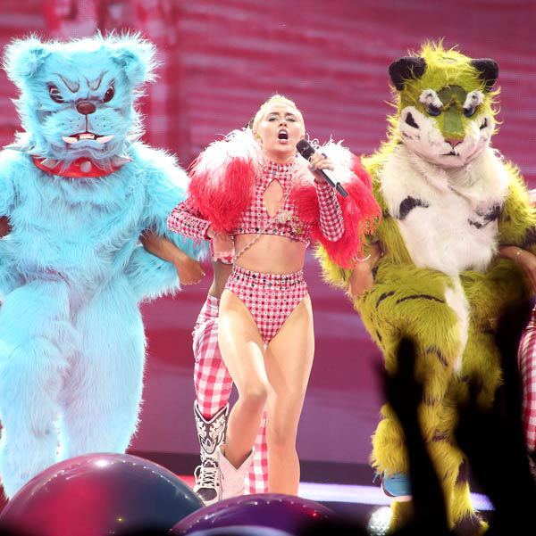 "<div class=""meta image-caption""><div class=""origin-logo origin-image ""><span></span></div><span class=""caption-text"">Singer Miley Cyrus performs in concert during her 'Bangerz Tour' at the Wells Fargo Center on Saturday, August 2, 2014, in Philadelphia. (Photo/Owen Sweeney)</span></div>"