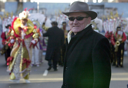 """<div class=""""meta image-caption""""><div class=""""origin-logo origin-image none""""><span>none</span></div><span class=""""caption-text"""">Outgoing Philadephia Police Commissioner John F. Timoney, right, walks up Market Street in front of a group of mummers during the 101st Mummers Parade, Tuesday, Jan. 1, 2002. (ASSOCIATED PRESS)</span></div>"""