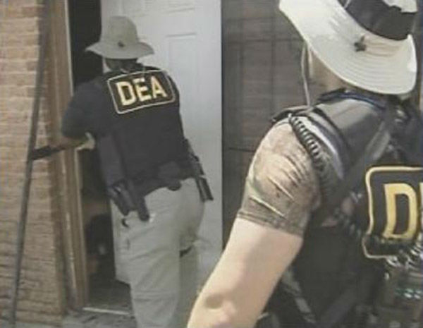 "<div class=""meta image-caption""><div class=""origin-logo origin-image none""><span>none</span></div><span class=""caption-text"">DEA Agents go door to door in Orleans Parish looking for anyone still stranded by the storm. (WPVI Photo)</span></div>"