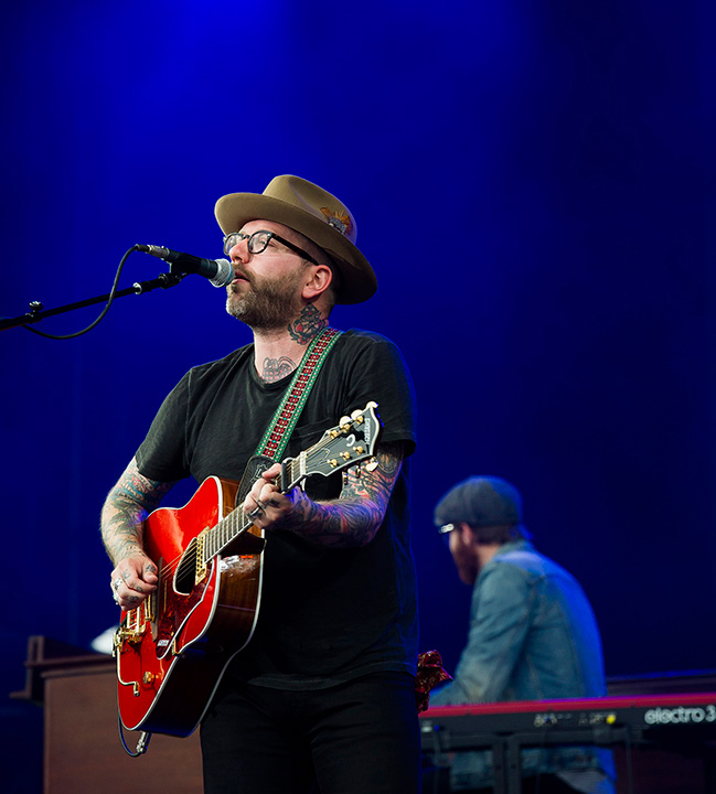"""<div class=""""meta image-caption""""><div class=""""origin-logo origin-image """"><span></span></div><span class=""""caption-text"""">Dallas Green from the band City And Colour performs on day one of the Budweiser Made in America Festival on Saturday, Aug. 30, 2014, in Philadelphia. (Charles Sykes/Invision/AP)</span></div>"""