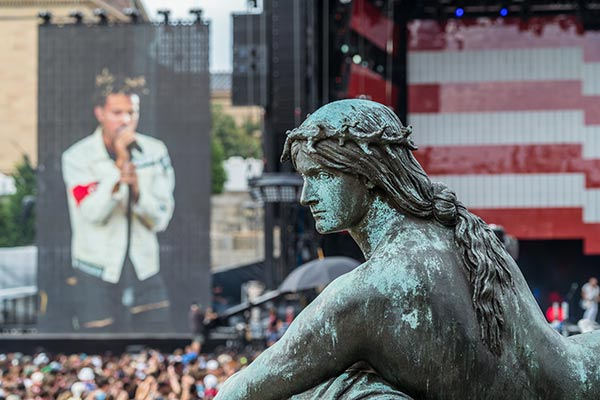 "<div class=""meta image-caption""><div class=""origin-logo origin-image none""><span>none</span></div><span class=""caption-text"">Vic Mensa Performs at Made in America on September 5th, 2015 in Philadelphia, PA  (Photo by Jeff Lombardo/Invision/AP)</span></div>"