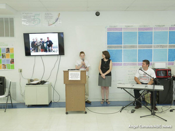 """<div class=""""meta image-caption""""><div class=""""origin-logo origin-image none""""><span>none</span></div><span class=""""caption-text"""">Christopher Duffley hosting a class with students at Making Community Connection Charter School in Manchester, NH.</span></div>"""