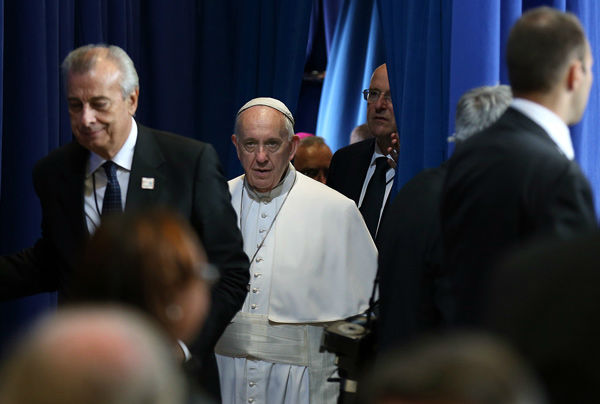 <div class='meta'><div class='origin-logo' data-origin='none'></div><span class='caption-text' data-credit='Photo/David Maialetti'>Pope Francis visits Curran Fromhold Correctional Facility in Philadelphia, Sunday, Sept. 27, 2015.</span></div>