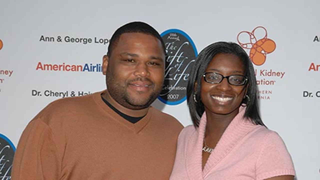 Anthony Anderson and his wife Alvina Anderson arrive at the National Kidney Foundations 28th Annual Gift of Life Celebration on Sunday, April 29, 2007, in Burbank, Calif.