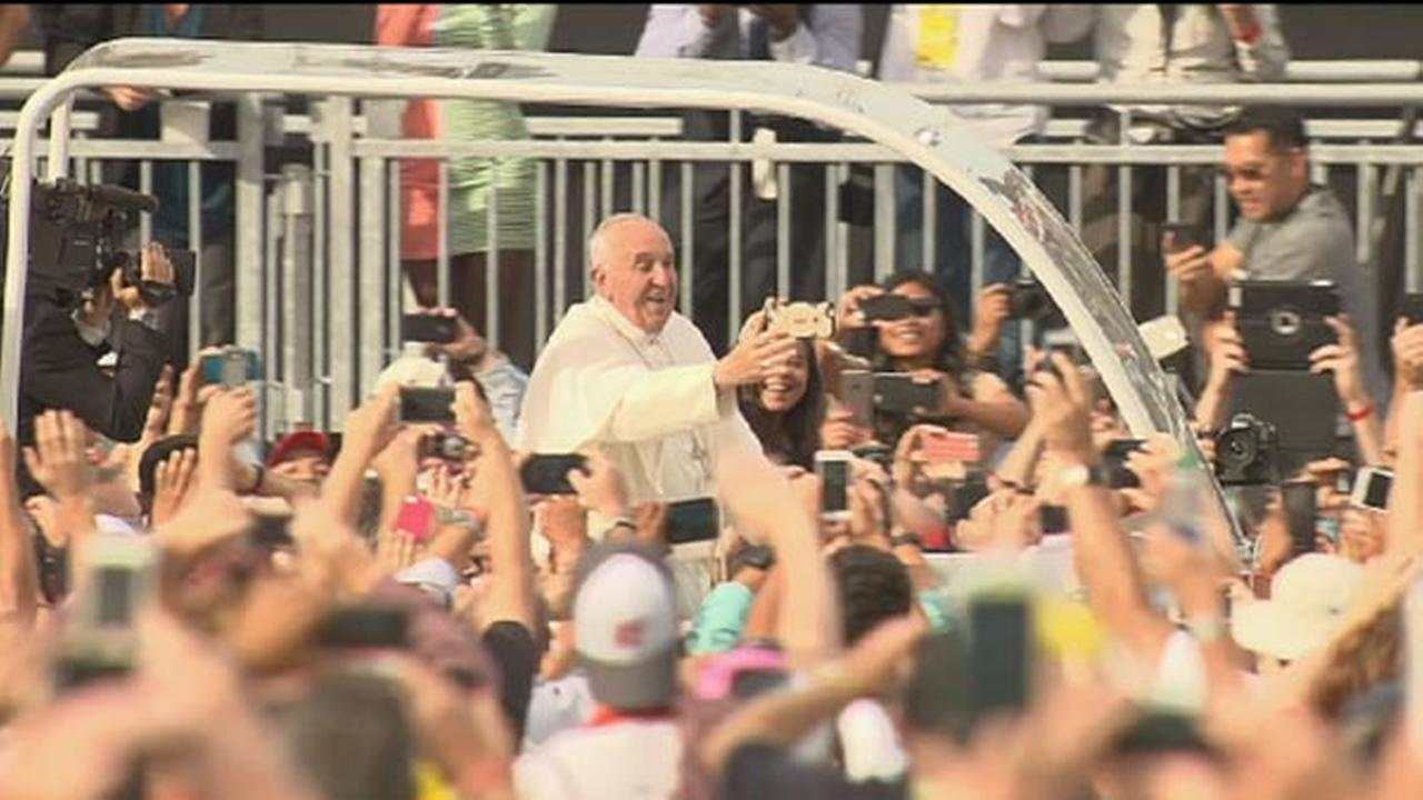 Pope Francis speaks at Independence Hall