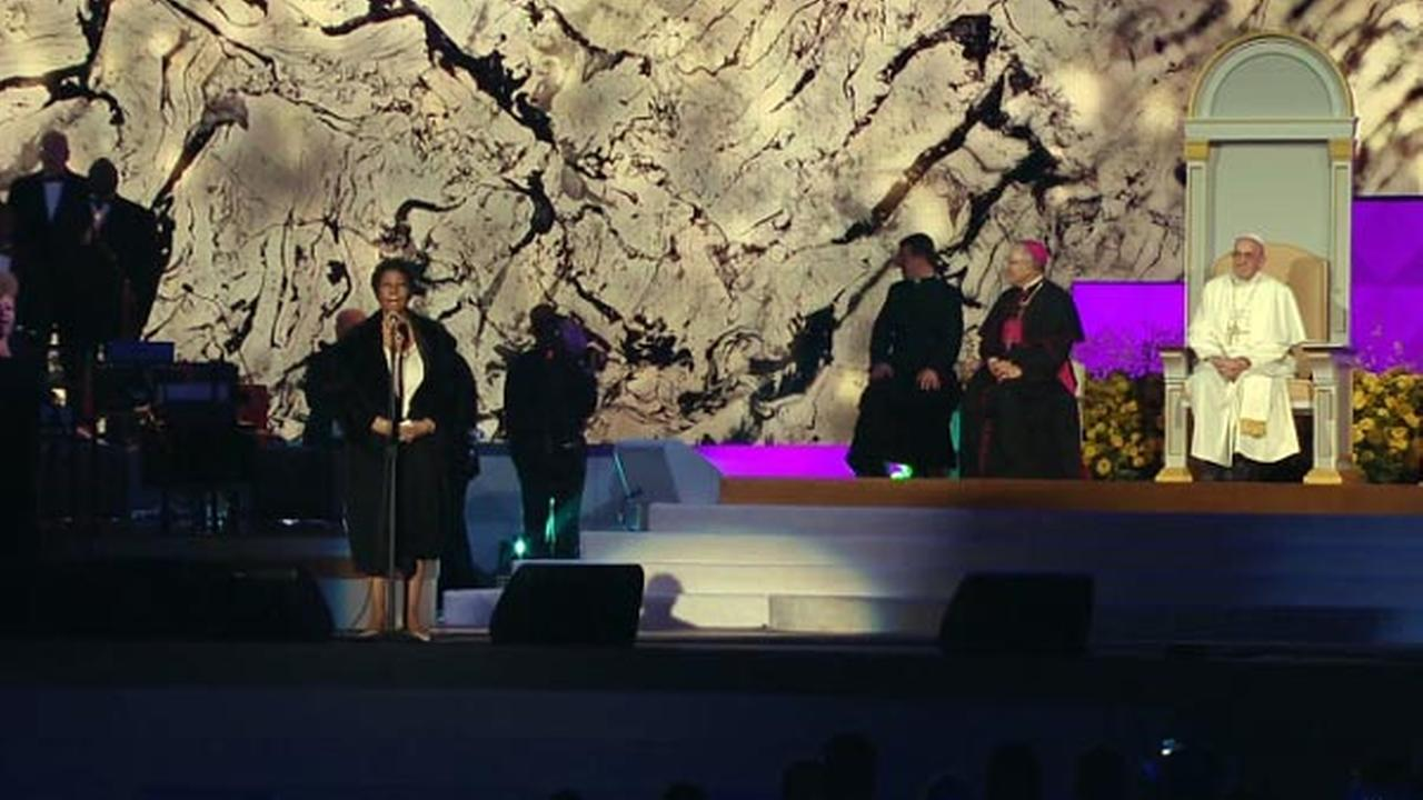 Aretha Franklin performs at the Festival of Families in Philadelphia on September 26, 2015.