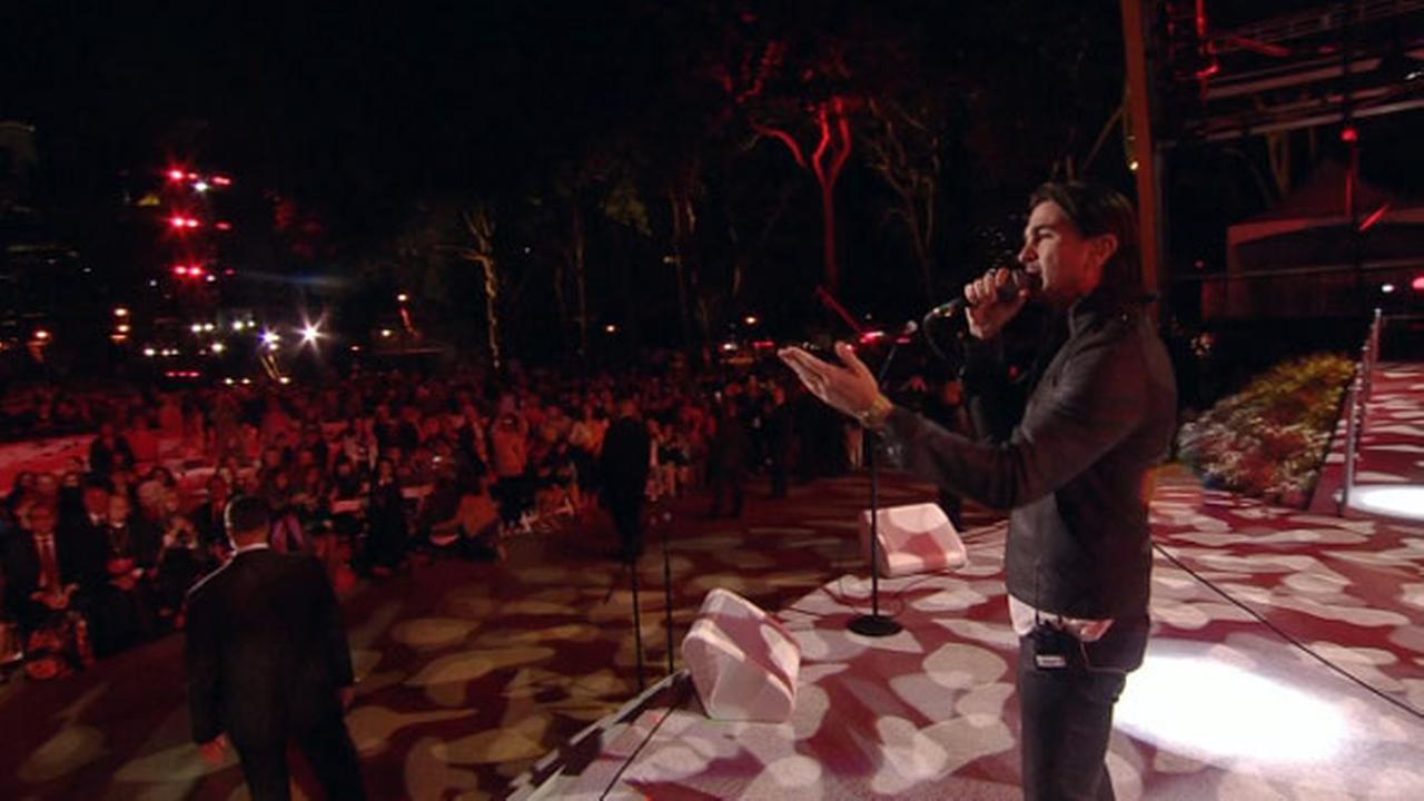 Juanes performs at the Festival of Families in Philadelphia on September 26, 2015