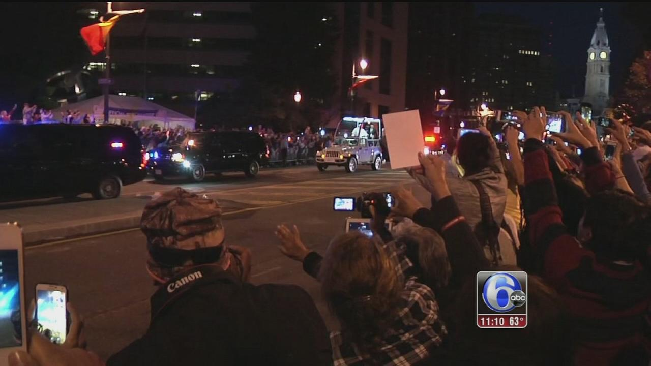 VIDEO: Crowds on the parkway