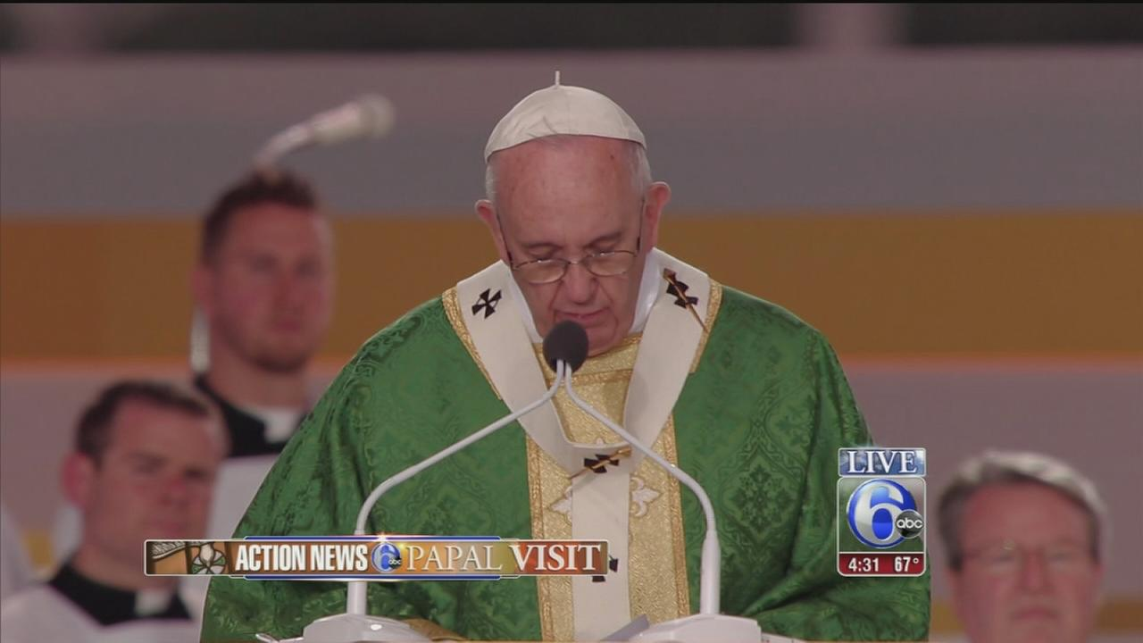 VIDEO: Mass on the parkway