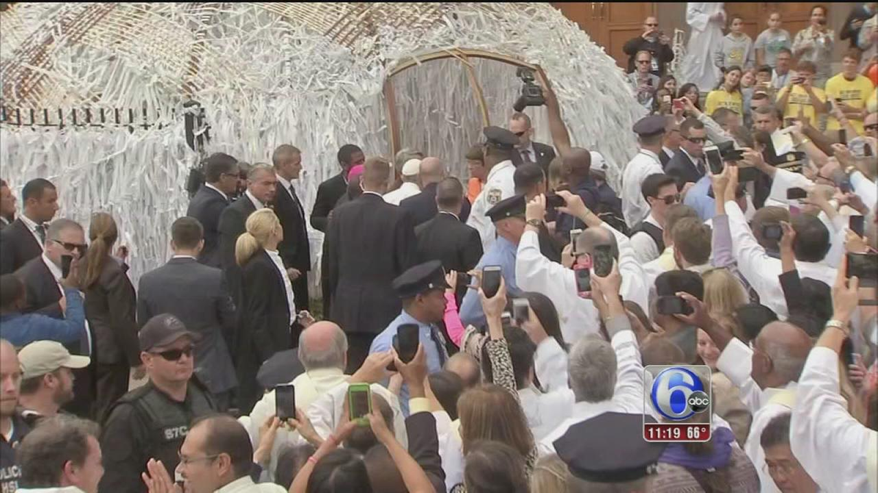 VIDEO: Pope stops by Grotto