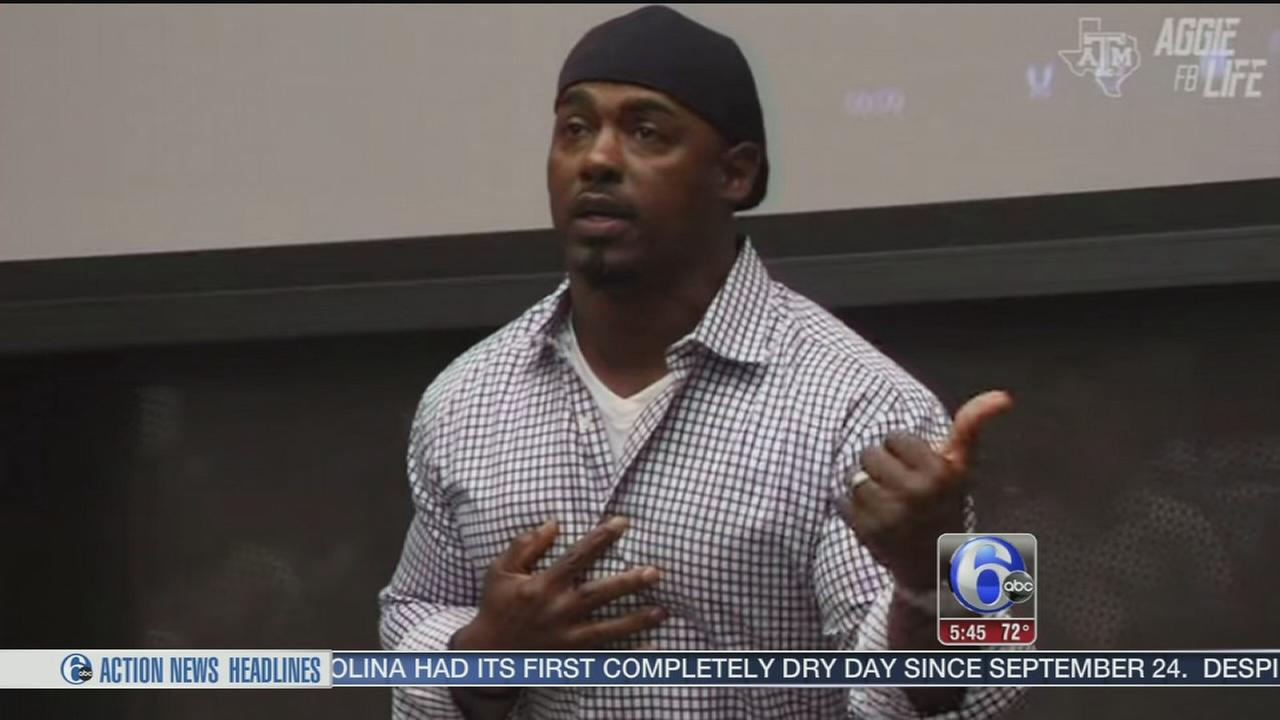 VIDEO: Brian Dawkins gives passionate pre-game pep talk
