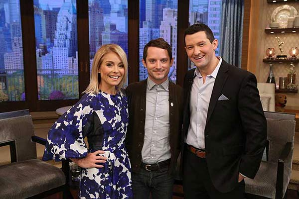 "<div class=""meta image-caption""><div class=""origin-logo origin-image none""><span>none</span></div><span class=""caption-text"">October 21, 2016: Souderton High School teacher Richard Curtis got his wish: he co-hosted Live! With Kelly Friday morning on 6abc.</span></div>"