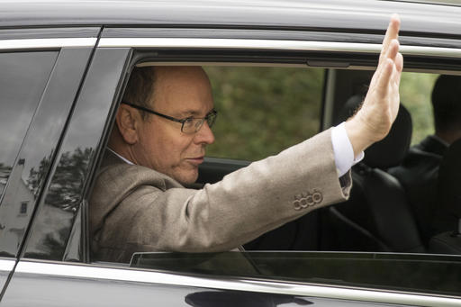 "<div class=""meta image-caption""><div class=""origin-logo origin-image ap""><span>AP</span></div><span class=""caption-text"">Prince Albert II of Monaco waves after touring a house he recently purchased in Philadelphia, Tuesday, Oct. 25, 2016. (AP)</span></div>"