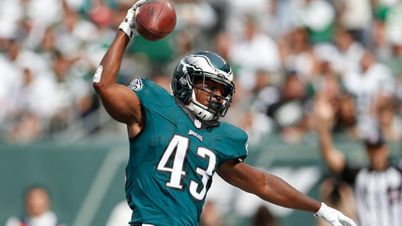 Philadelphia Eagles running back Darren Sproles (43) reacts after scoring a touchdown against the New York Jets during the second quarter of an NFL football game.