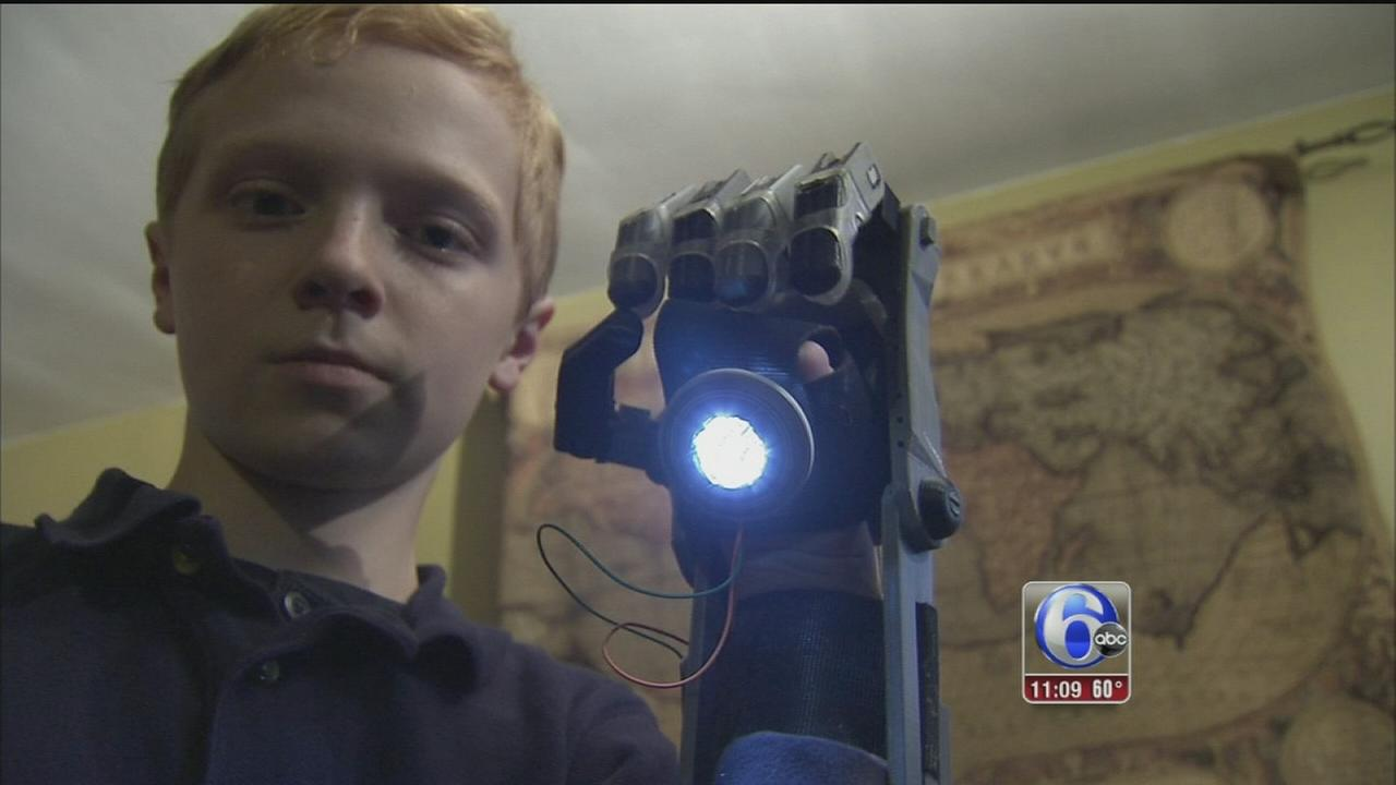 VIDEO: Del. boy creates prosthetic hand with library 3D printer