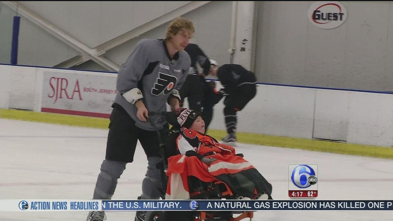 VIDEO: Flyers fulfill little boys wish