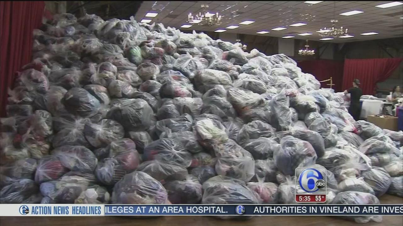 VIDEO: Record-breaking clothing drive