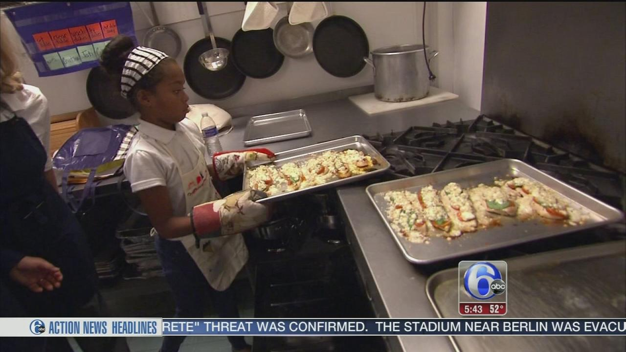 VIDEO: Program links top chef with kids eager to learn to cook
