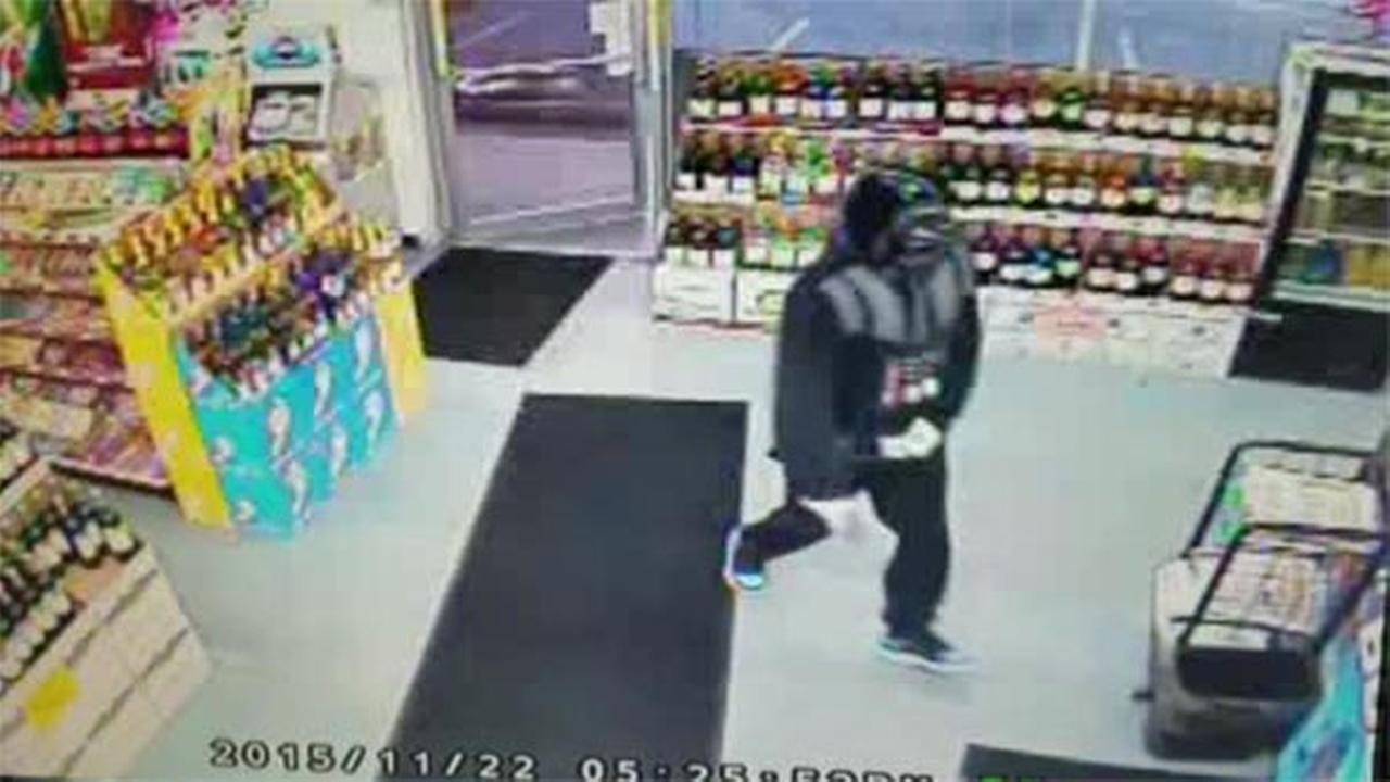 Police: Man dressed as Darth Vader tries to rob store