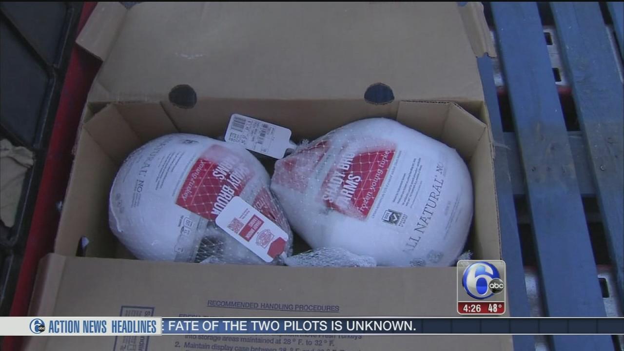 Volunteers deliver meals for Thanksgiving