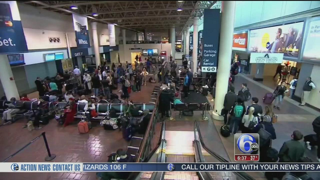 VIDEO: Thanksgiving travel is underway at Amtrak