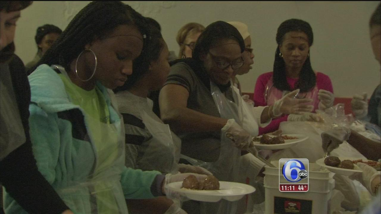 VIDEO: Cheerleaders feed less fortunate