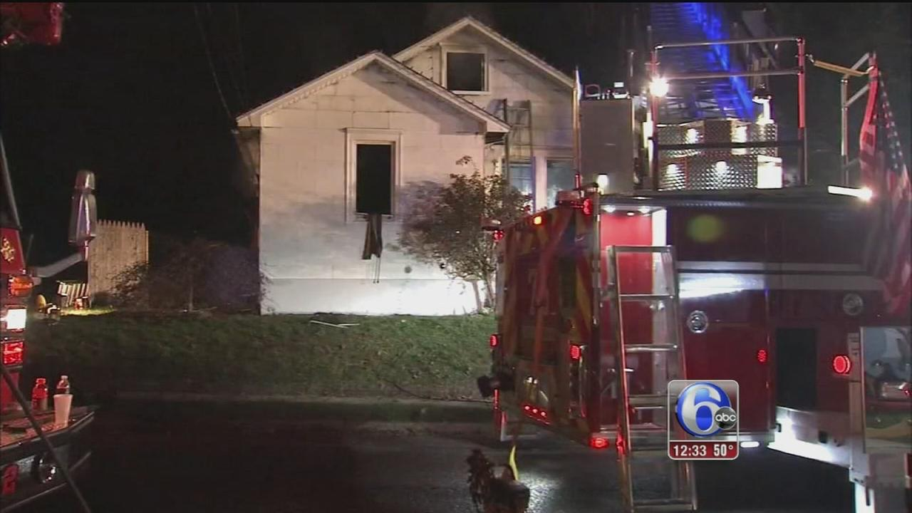 VIDEO: Dogs save owner from fire