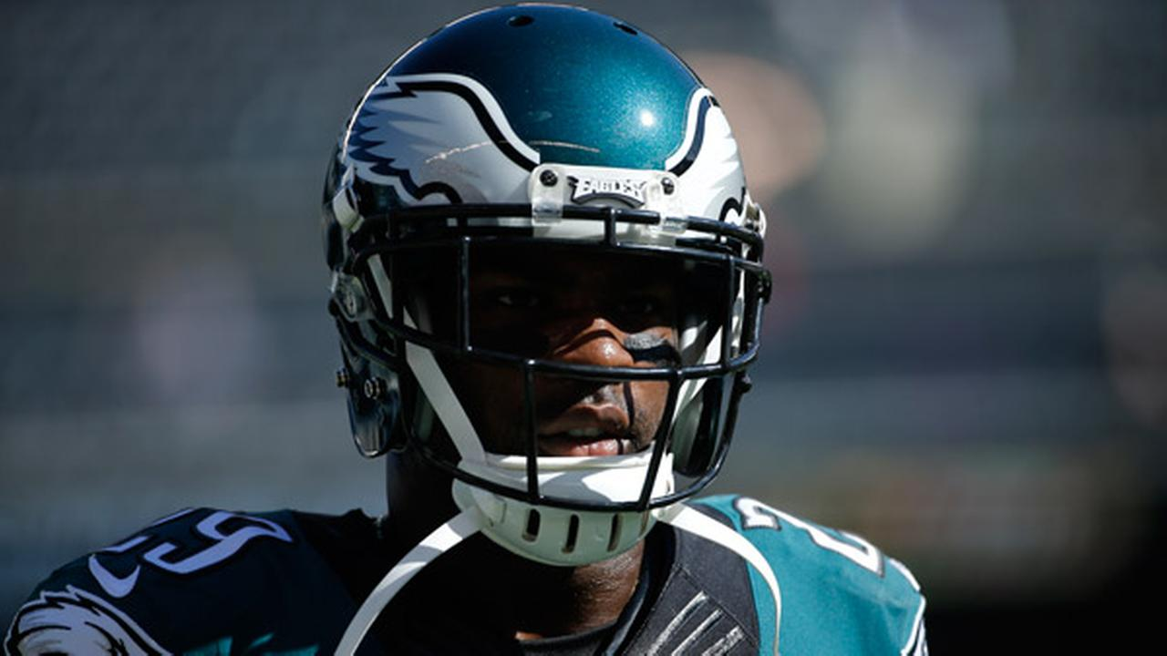 Philadelphia Eagles DeMarco Murray warms up before an NFL football game against the New Orleans Saints, Sunday, Oct. 11, 2015, in Philadelphia.