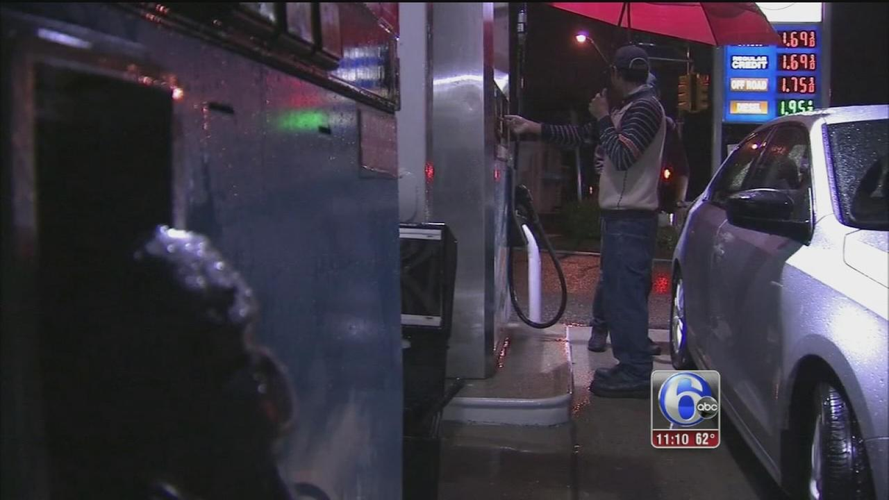 VIDEO: Christmas gift at the pumps