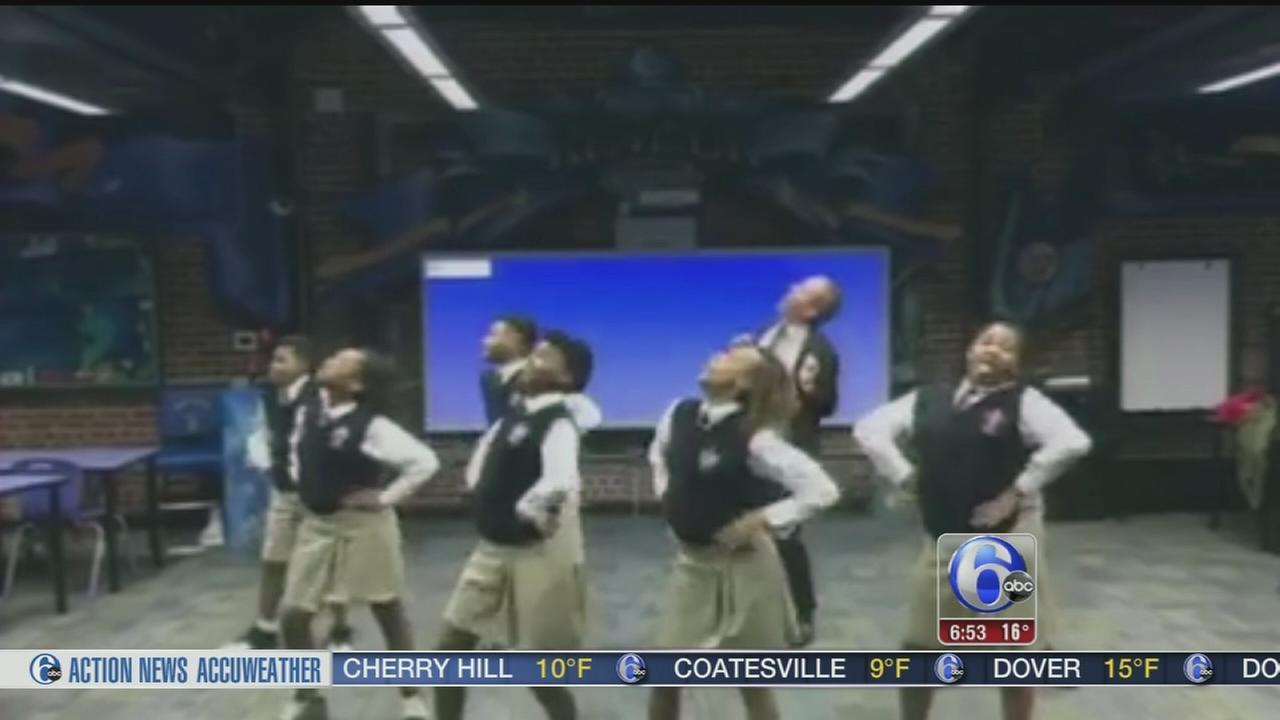 VIDEO: Atlanta teacher dances with students