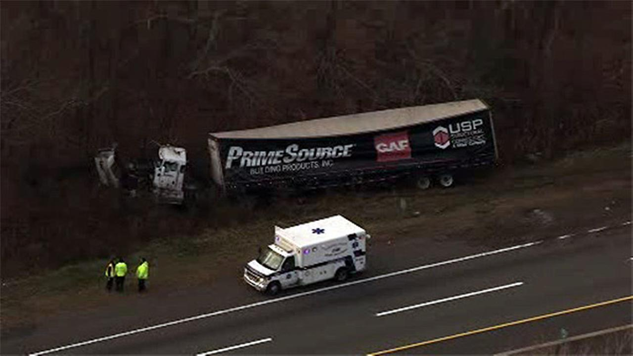 Tractor-trailer crashes on New Jersey Turnpike in Salem County