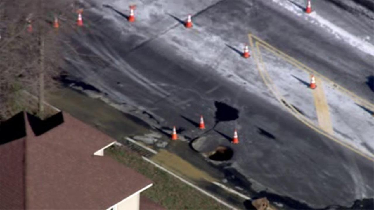 Sewer line ruptures in Mount Laurel, N.J.
