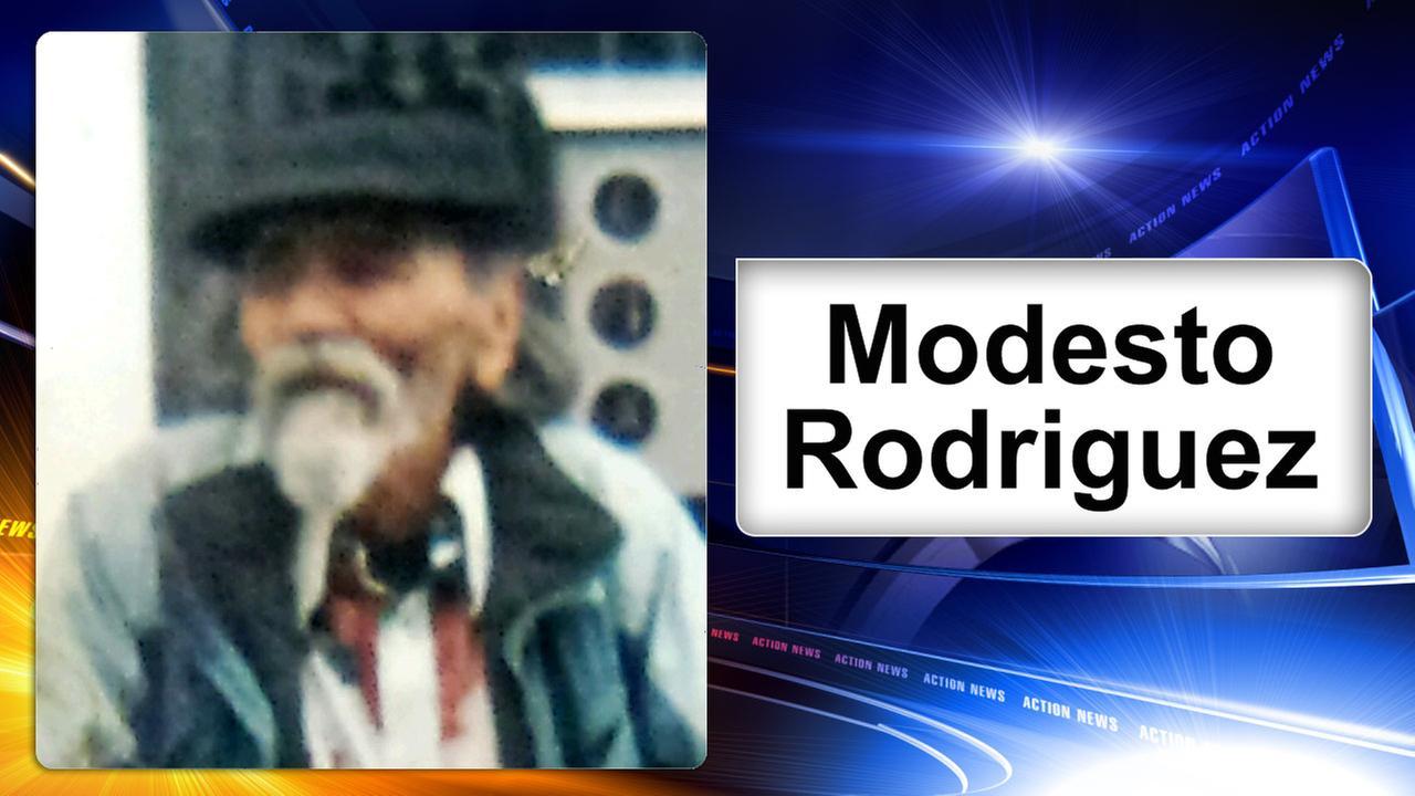 Philadelphia police search for missing elderly man