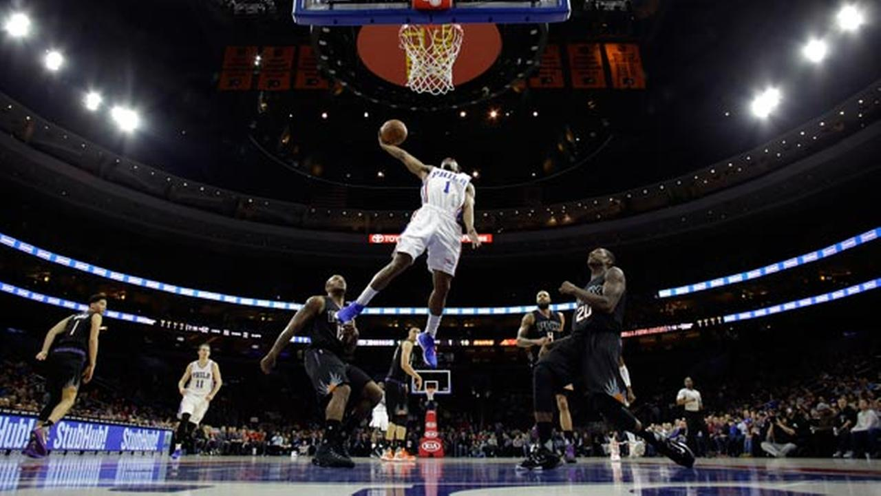 Philadelphia 76ers Ish Smith goes up for a dunk during the first half of an NBA basketball game, Tuesday, Jan. 26, 2016, in Philadelphia. Philadelphia won 113-103.