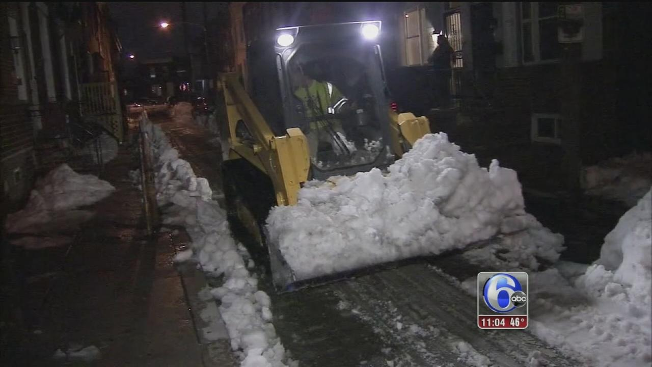 VIDEO: Digging out continues in Philly