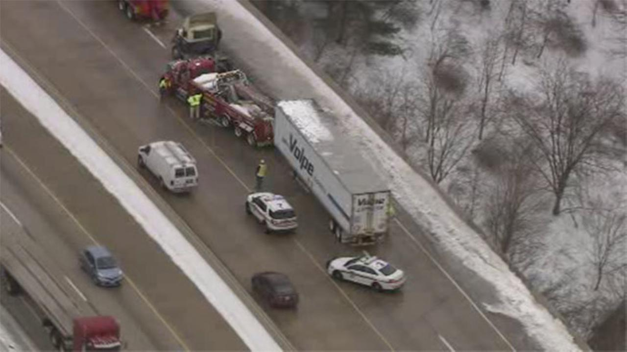 Tractor-trailer crash slows traffic on I-476 in Delco