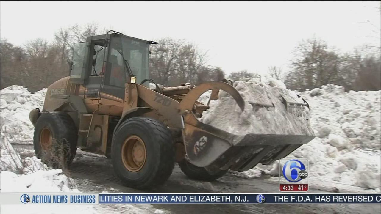 VIDEO: Noisy trucks, flooding fears over snow pile in Trenton