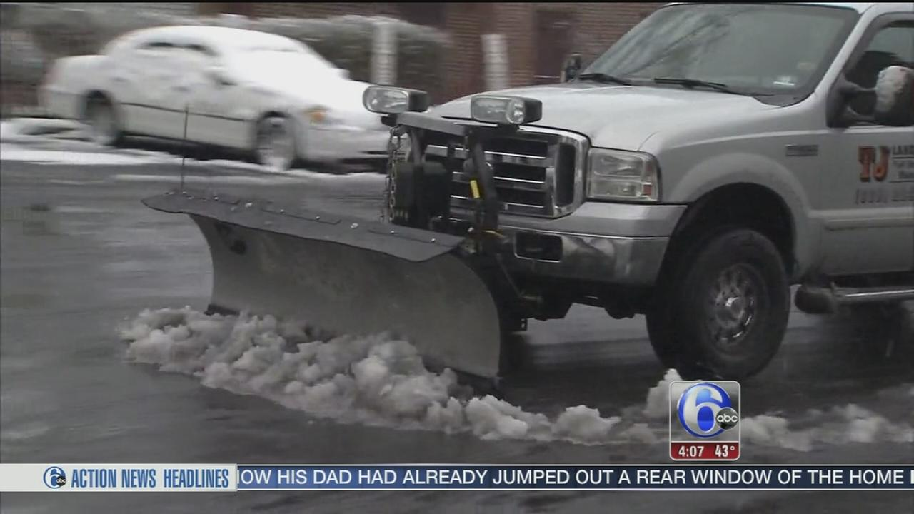 VIDEO: Slushy snow hampers Friday commute